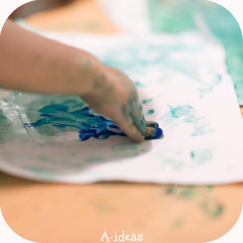 знакомство малыша с пальчиковыми красками