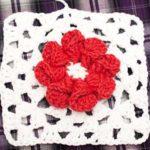 Бабушкин квадрат с объемным цветком (схема)