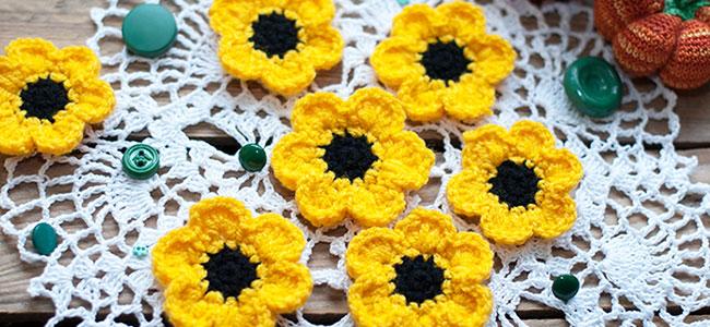 Маленькие цветы крючком