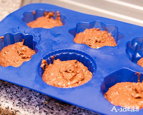 Ставим кексы в духовку