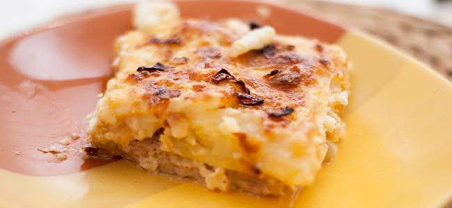 Картофельная запеканка с мясом и сыром